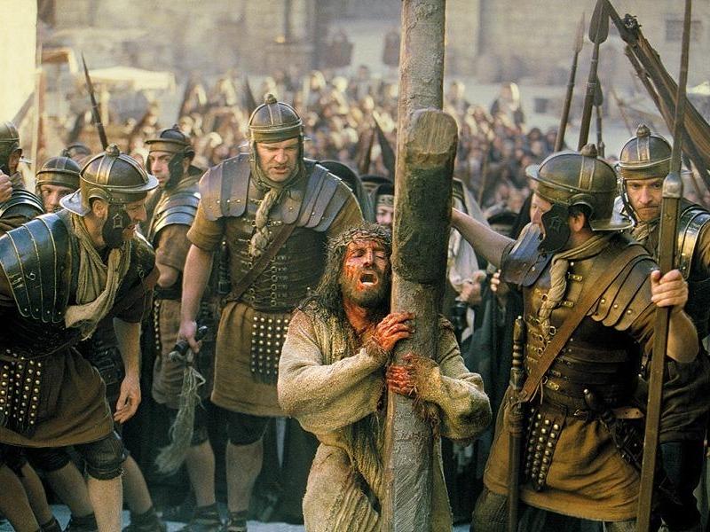 600-jesus-carryingcross044