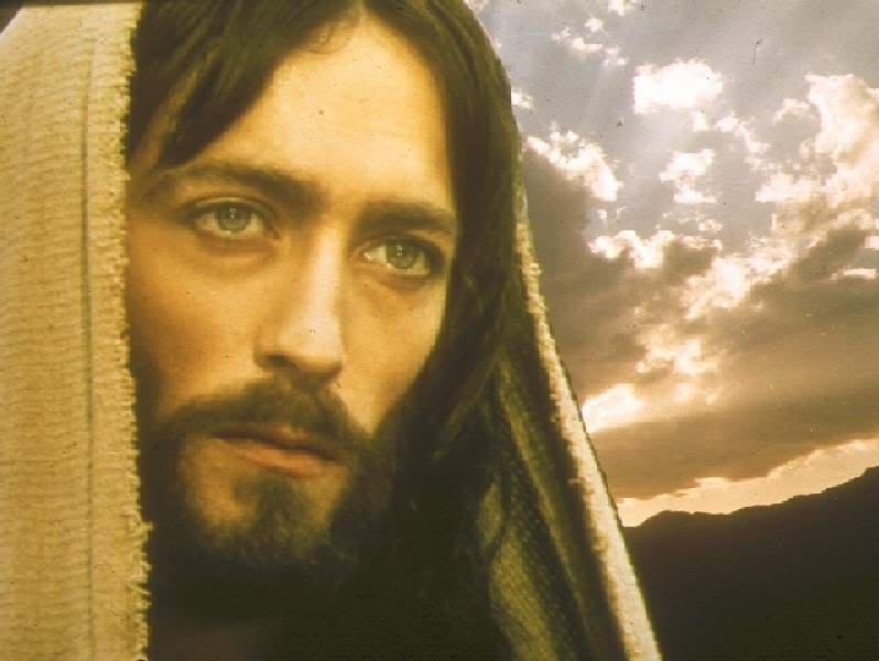 Jesus-Of-Nazareth-Photos-from-the-Movie-Jesus-played-by-Robert-Powell-jesus-23779888-798-600